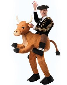 Costume da torero con toro selvaggio